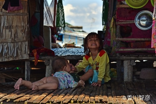 s_香川智彦/生きる - at the floating village on the lake Tonlé Sap -
